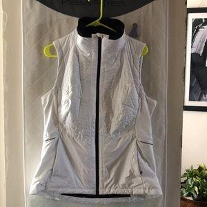 Athleta white insulated vest - size Large